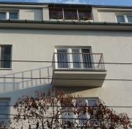 Balkón pre rekonštrukcii