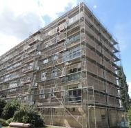 Stavba lešenia